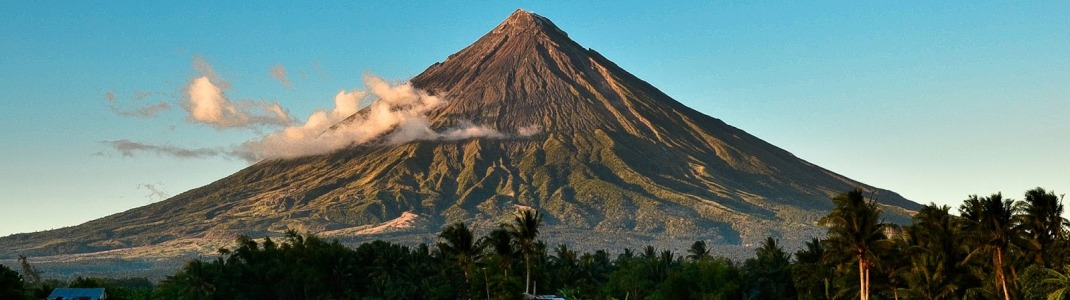 how to get to mayon volcano